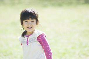 笑う女の子 FYI00934827