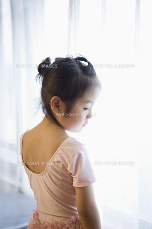バレエ姿の女の子 FYI00934858