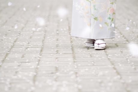和服の日本人女性の足下 FYI00934912