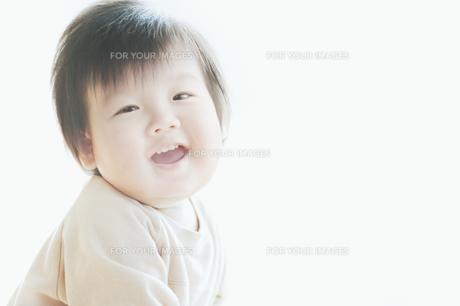 笑う男の子 FYI00935262