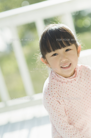 笑う女の子 FYI00935447