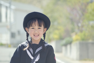 笑う幼稚園児 FYI00935497