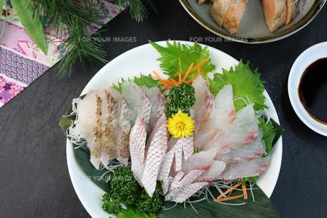 鯛の刺身 FYI00942323