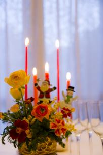 クリスマスのテーブルアレンジの素材 [FYI00943902]