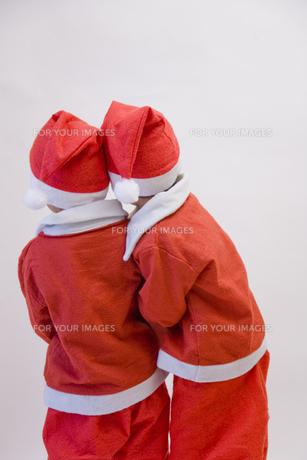 サンタの格好をした兄弟 FYI00944630