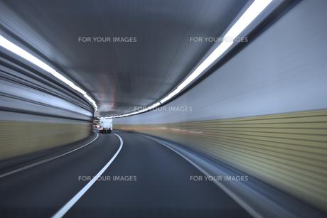 夜の高速道路 FYI00956539