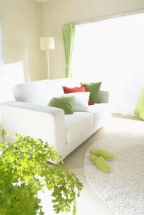 白いソファーのある部屋 FYI00959878