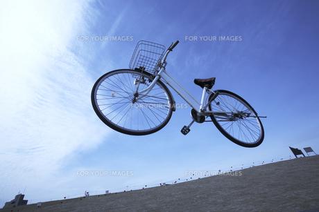 空を飛ぶ自転車 FYI00960963