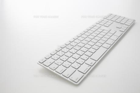 白いキーボード FYI00961619