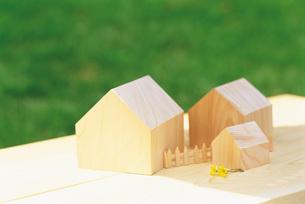 木製ミニチュアの家 FYI00969533