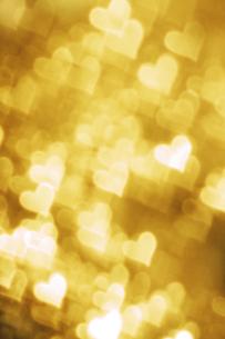 ゴールドのハートのコラージュ FYI00980973
