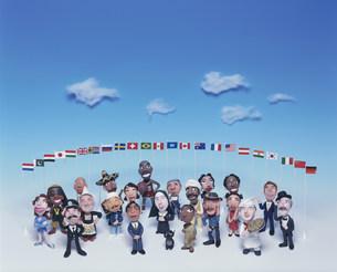 世界の人々と国旗のクラフト FYI00986246