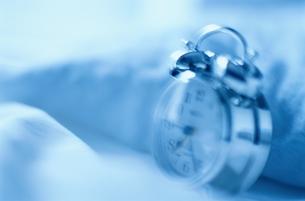 ベッドの目覚し時計 FYI00991766