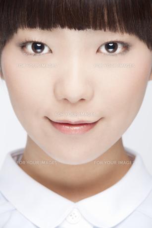 20代女性のビューティーイメージ FYI00993681