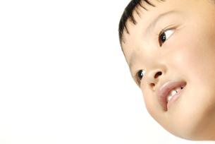 子供の笑顔 FYI00993761