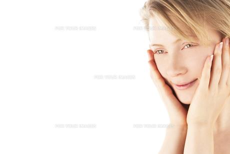 20代の外国人女性のビューティー FYI00993780