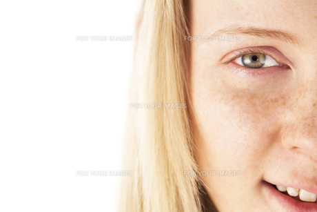 20代の外国人女性のビューティー FYI00993828