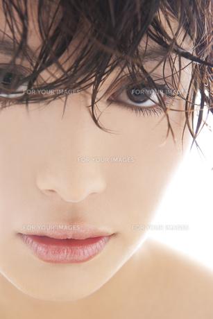 20代日本人女性のビューティー FYI00993910