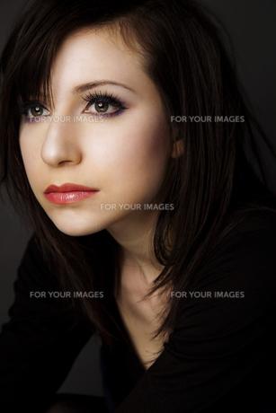 20代日本人女性のビューティーイメージ FYI00993942