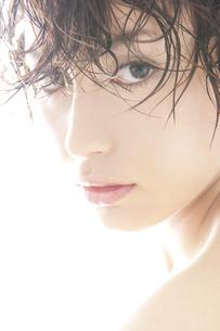 20代日本人女性のビューティー FYI00993957