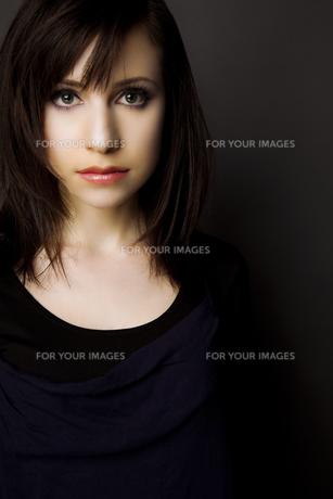 20代日本人女性のビューティーイメージ FYI00994214