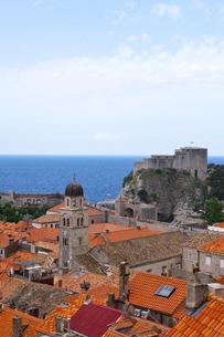 城塞から見た旧市街とアドリア海 FYI00997117