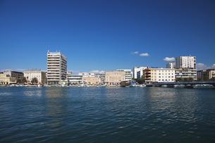 ザダルの海岸と街並 FYI01005229