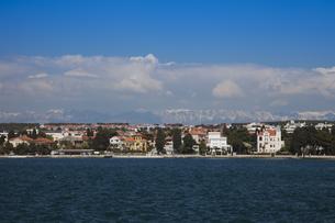 ザダルの海岸と街並 FYI01005359