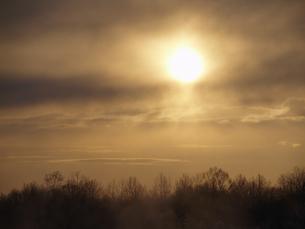 太陽と雲と霧 FYI01015547