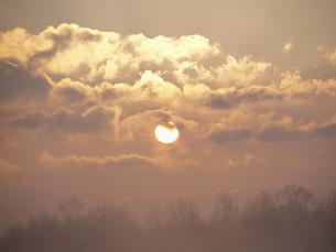 朝日と雲 FYI01015585