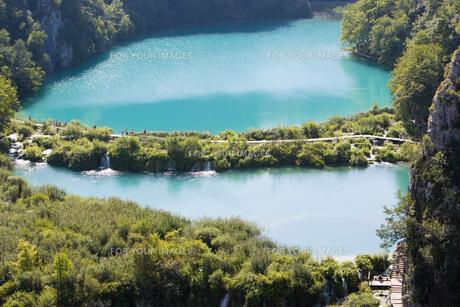 国立公園プリトヴィチェ湖群の美しい眺め FYI01019525