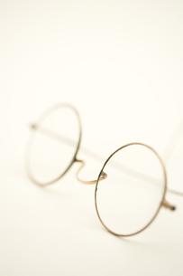 アンティークの丸眼鏡 FYI01019781