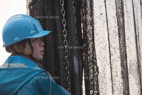 作業する漁師 FYI01030514