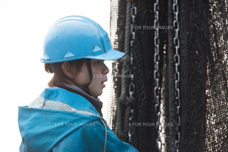 作業する漁師 FYI01030517