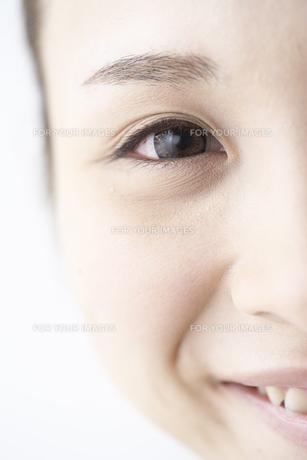 女性の瞳 FYI01032194