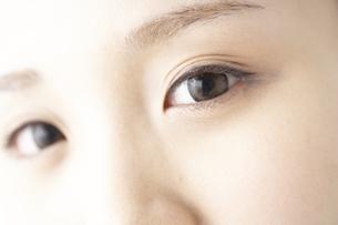 女性の瞳の素材 [FYI01032228]