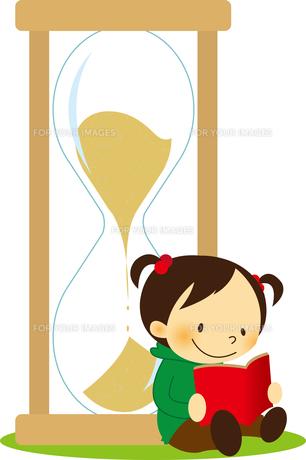 砂時計によりかかって本を読む女の子 FYI01050527