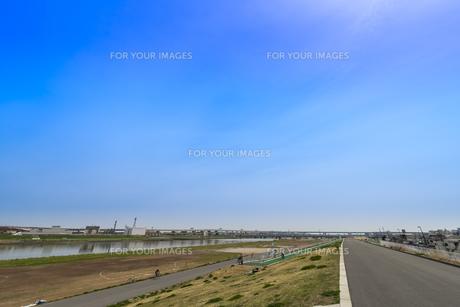 荒川・日ノ出町緑地(鉄橋は京成本線、堀切橋) FYI01057176