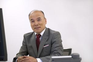 シニア男性ビジネスマンの素材 [FYI01143937]