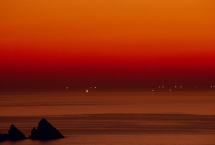 夕焼けの海 FYI01146373