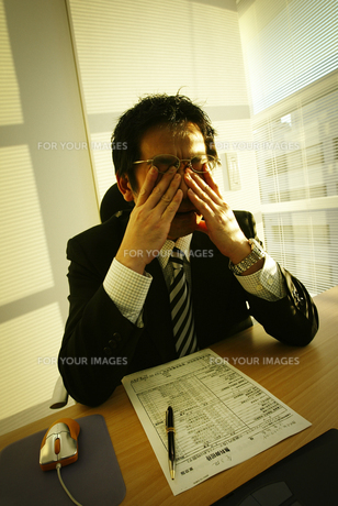 ビジネスマンイメージ FYI01153161