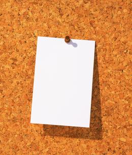 コルクボードとメモ用紙 FYI01153796