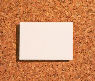 コルクボードとメモ用紙 FYI01154154