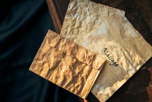 便箋と封筒の写真素材 [FYI01216446]