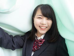 笑顔の女子高校生の写真素材 [FYI01220715]