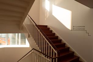 学校の階段 FYI01220984